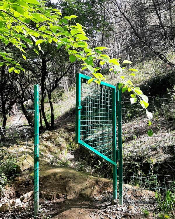 puerta-para-sendero-en-bizkaia-con-paso-para-animales